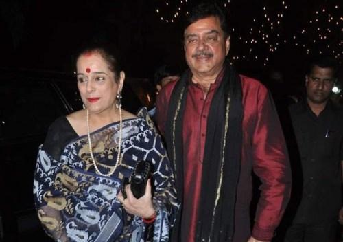 Poonam Sinha Family Photos, Husband,  Sons, Age