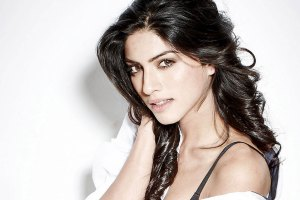 Sapna Pabbi Family Pics, Mother And Father, Age, Upcoming Movies List