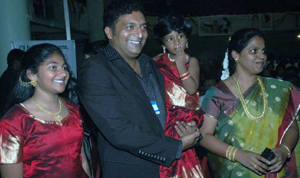 Prakash Raj Family Photos, Father, Wife, Son, Daughter ...