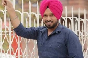 Gurpreet Ghuggi Family Photos, Father, Mother, Wife, Son, Daughter, Age, Bio