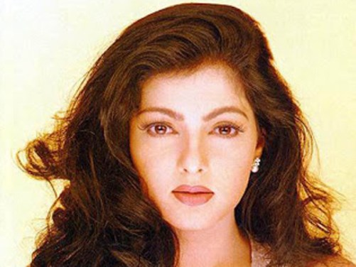 Mamta Kulkarni Family Photos, Father, Husband, Sister, Age, Height, Biography