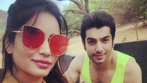 Sharad Malhotra Family Photos, Father, Mother, Wife, Height, Biography