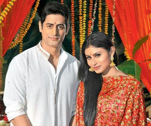 Mohit Raina Family Photos, Wife, Son, Daughter, Father, Height, Bio