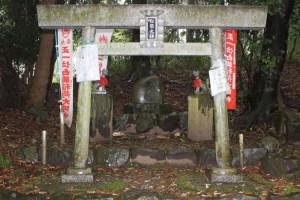 島津豊久の墓(島津塚)