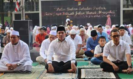 Polres Metro Tangerang Kota Gelar Sholat Idul Adha di Lapangan Mapolres