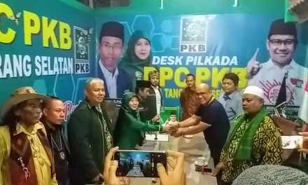 Detik Ahir, Muhamad Reza (AO) Kembalikan Formulir Penjaringan Balon Walikota ke – PKB