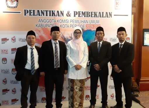 Foto kegiatan pelantikan dan pembekalan anggota KPU Kabupaten/ Kota periode 2019-2020