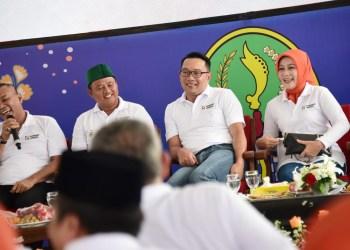 Foto: Gubernur Jawa Barat Ridwan Kamil dan Wakil Gubernur Jawa Barat Uu Ruzhanul Ulum bersama 27 kepala daerah kabupaten/kota di Jabar menghadiri Komunikasi Pembangunan Daerah (KOPDAR) di Istora Jatiluhur.