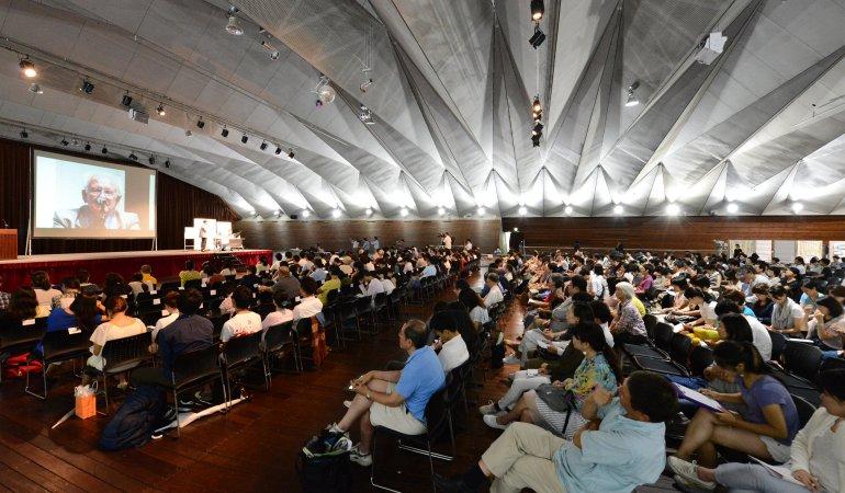 日本は独立国ではない 「平和学の父」ガルトゥング博士が真の独立を提言する