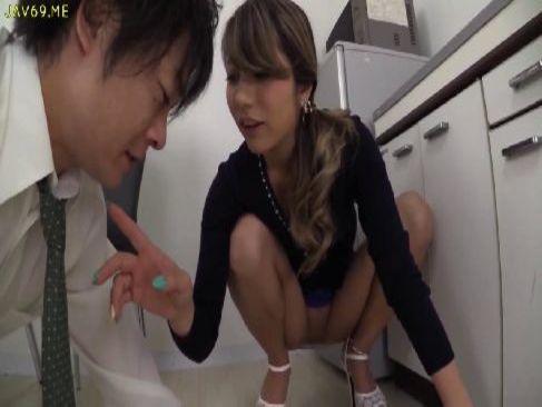 スタイル抜群なハーフ美女がパンチラで誘惑して痴女攻めするセックス動画無料