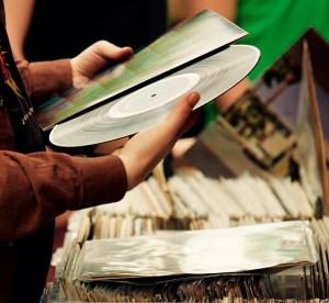 memilih vinyl sebagai koleksi