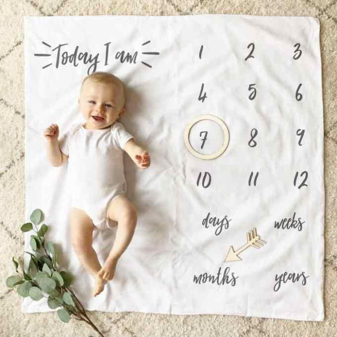 Bayi Usia 7 Bulan