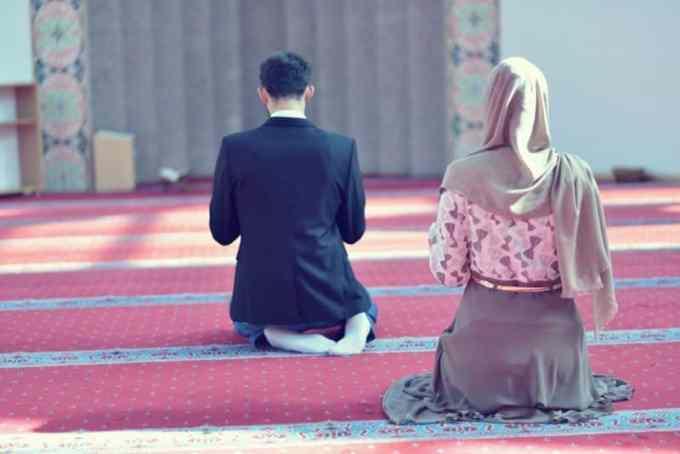 Doa Agar Suami Diberikan Keselamatan Dunia dan Akhirat