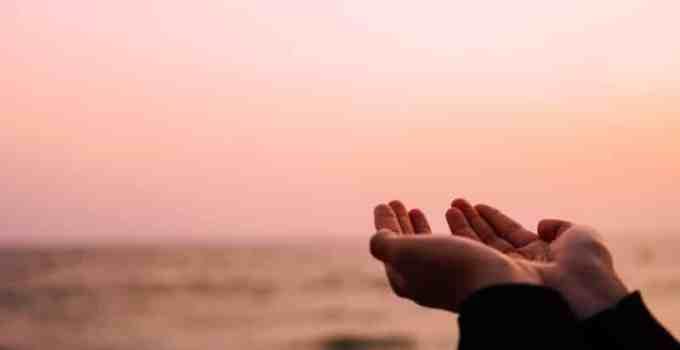 Doa Penenang Hati: Bahasa Arab, Keutamaan serta Artinya (Terlengkap) 1