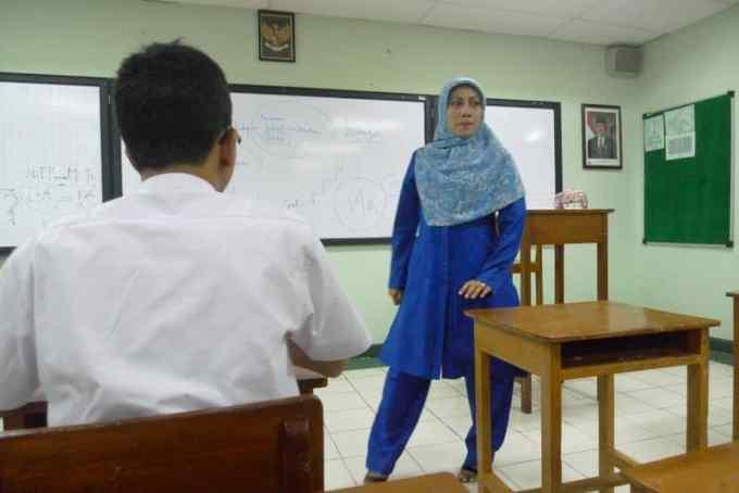 Cerita Anekdot Tentang Guru