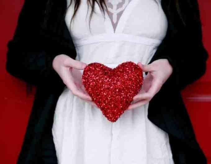 Contoh Argumentasi Tentang Cinta