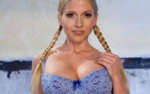 Christie Stevens, geile blonde milf met grote tieten