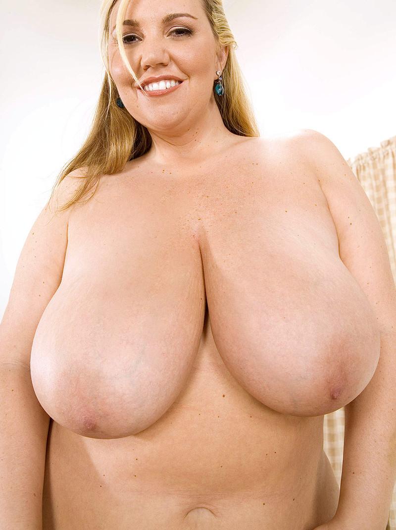 volle-vrouwen-met-grote-borsten-08