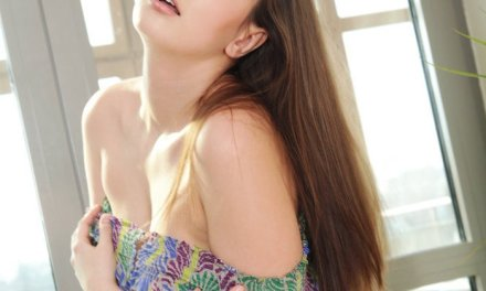 Conny Carter, sensueel, knap en grote borsten