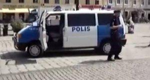 Tweet Zweedse politie over menstruatie en goedmaaksex gaat viral