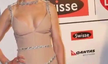 Heeft MILF Nicole Kidman nieuwe, grote, tieten?