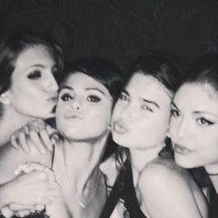 Selena Gomez, nippleslip op Instagram