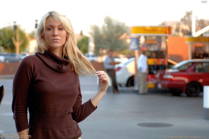 vicky-blond-mooi-en-naakt-128