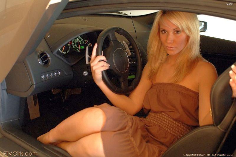 vicky-blond-mooi-en-naakt-160