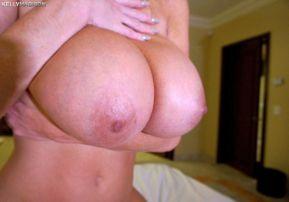 hot-milf-big-tits-gets-fucked-16