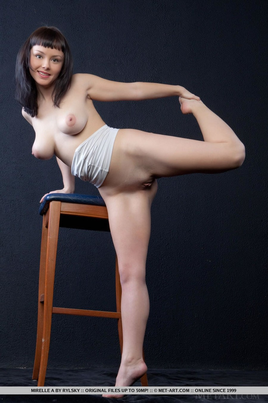 big-tits-naked-and-a-barstool-04