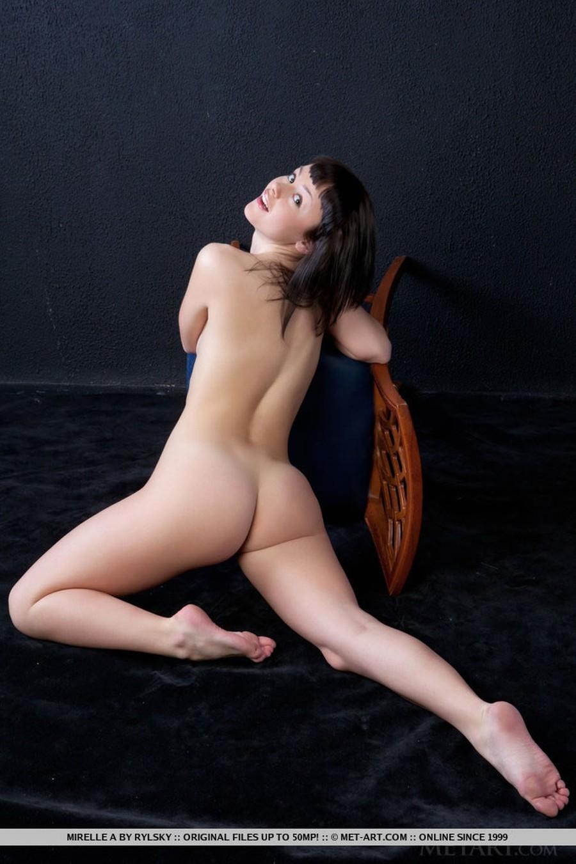 big-tits-naked-and-a-barstool-06