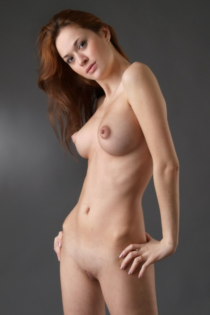 ivetta-naakt-rood-haar-grote-borsten-15