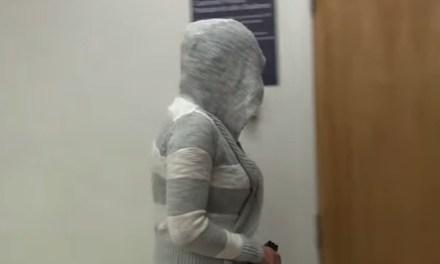 Vrouw veroordeeld voor seks, masturbatie, in vliegtuig