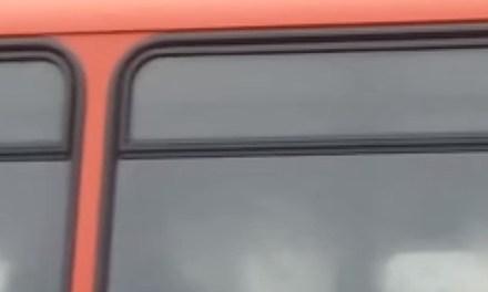 Masturberende buschauffeur op de video gezet