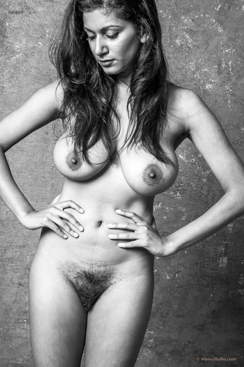 sabine-naked-black-and-white-photos-02