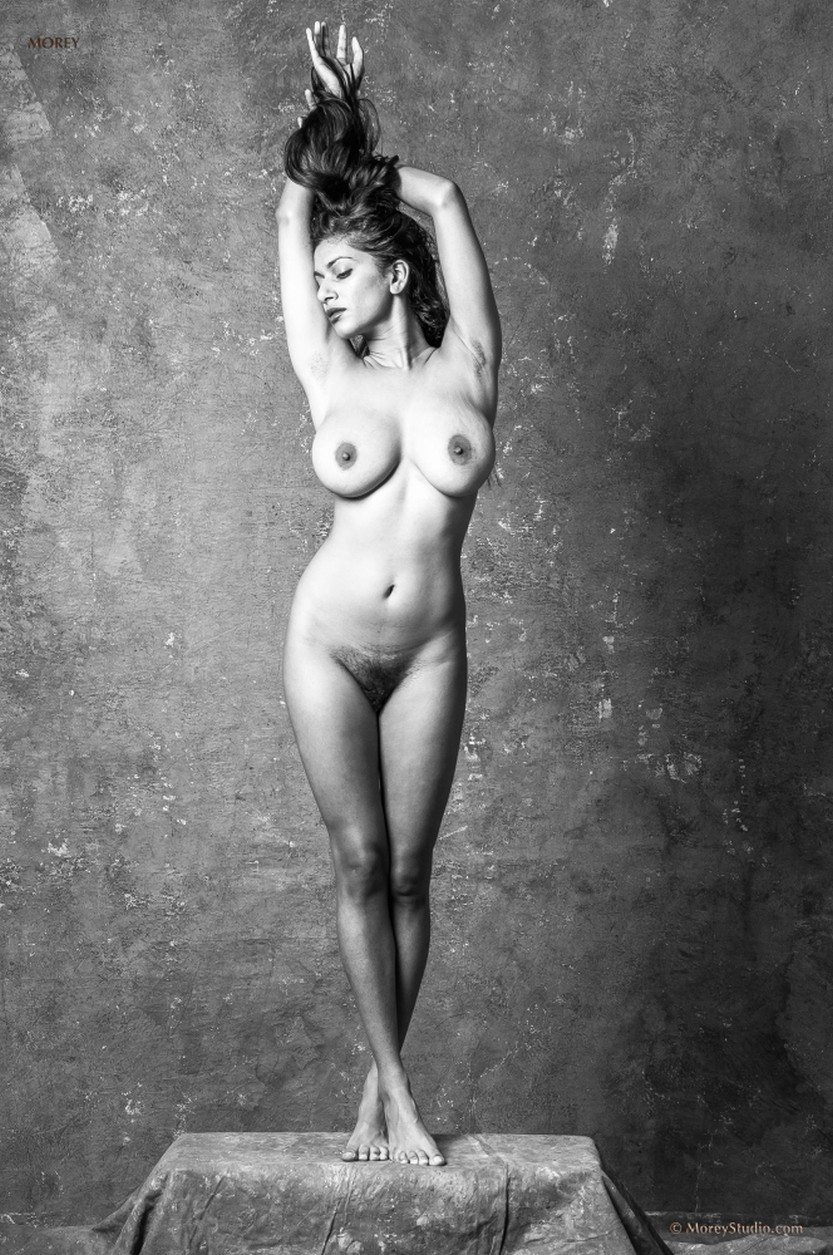 sabine-naked-black-and-white-photos-05