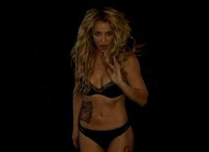 Britney Spears sexy aan het dansen in lingerie