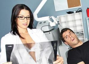 Ann Marie Rios als geile tandarts en op de Sybian