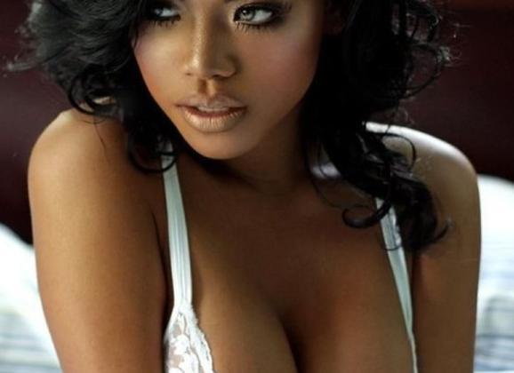 Naakte zwarte vrouwen met grote tieten