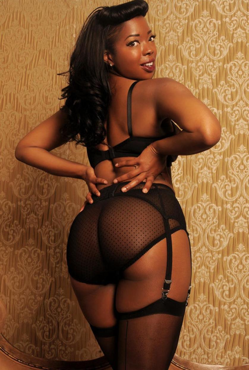 Donkere Amateur Vrouwen, Ook Grote Tieten, In Sexy Lingerie-5346