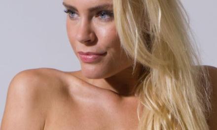 Mija, knappe blondine met een mooie lach