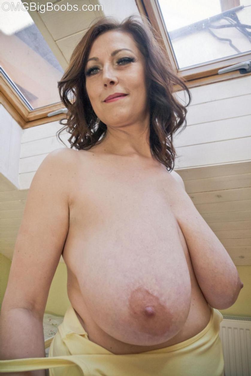 mature big tits boobs