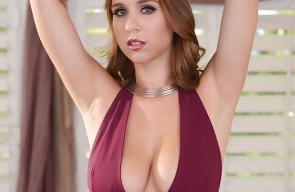 Nette huisvrouw krijgt zaad over haar grote borsten