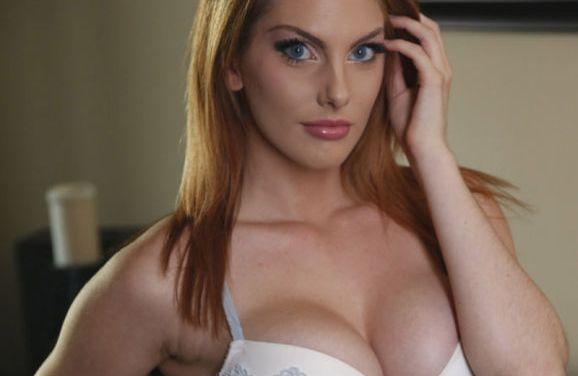 Lilith Lust, in bikini bij het zwembad, binnen sex
