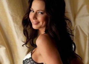 Rebecca Lynn, Playboy hottie, ziet er heerlijk uit