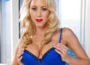 Katie Morgan, blond, lingerie en grote tieten