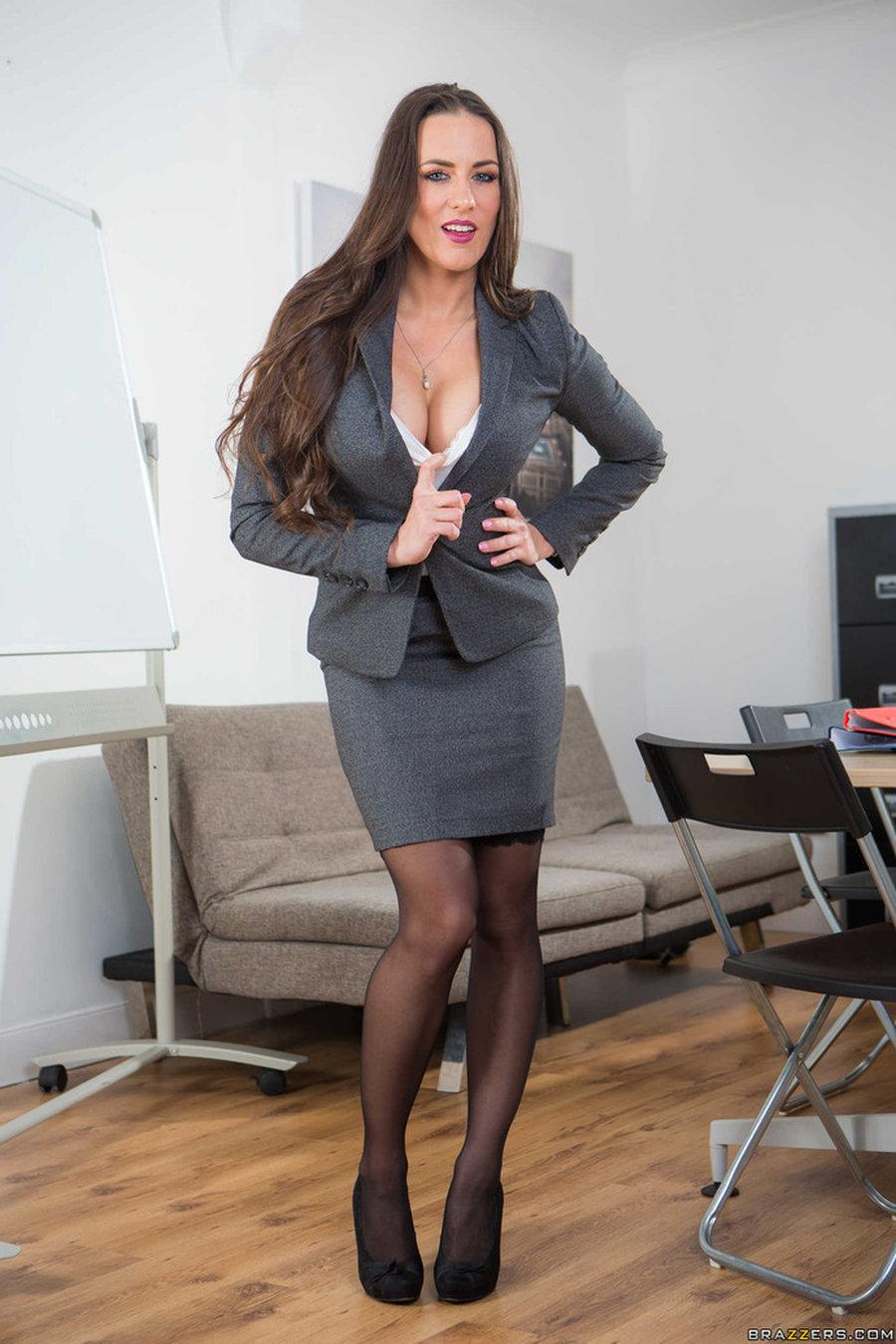 Mea Malone, sexy secretaresse