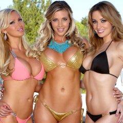 Drie internet babes, Angela Sommers, Nikki Benz en Samantha Saint hebben lesbische sex