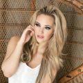 Sophia Knigt, blond en lekker