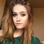 19-jarige jonge knappe vrouw is nog maagd, ze zoekt een seksmaatje